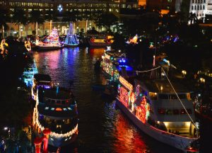 winterfest-parade-boats
