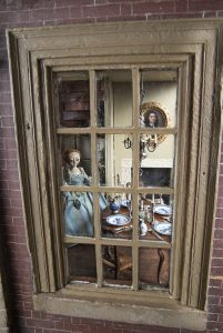 art-of-the-dollhouse2