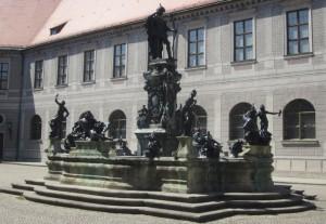 PalaceStatue